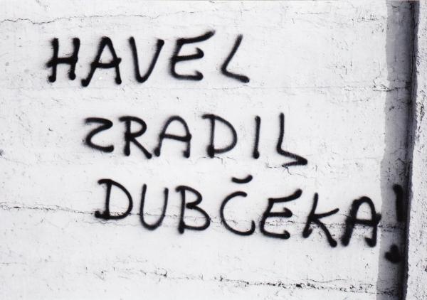 13_dubcek_na_hrad_2.bmp_.jpg