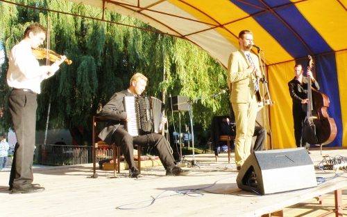 22_z_vystupenia_banskobystrickej_skupiny_slovak_tango._500x314.jpg