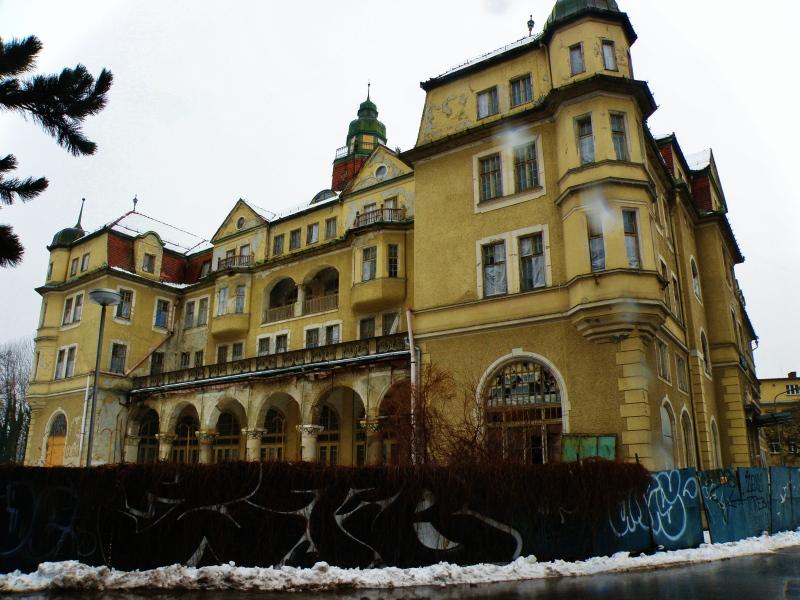 5_niekedy_slavny_hotel_slovan_z_roku_1906.jpg