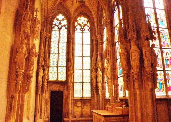 7_capella_speciosa_posvatena_v_roku_1222_je_najstarsou_zachovanou_gotickou_stavbou_v_rakusku.jpg