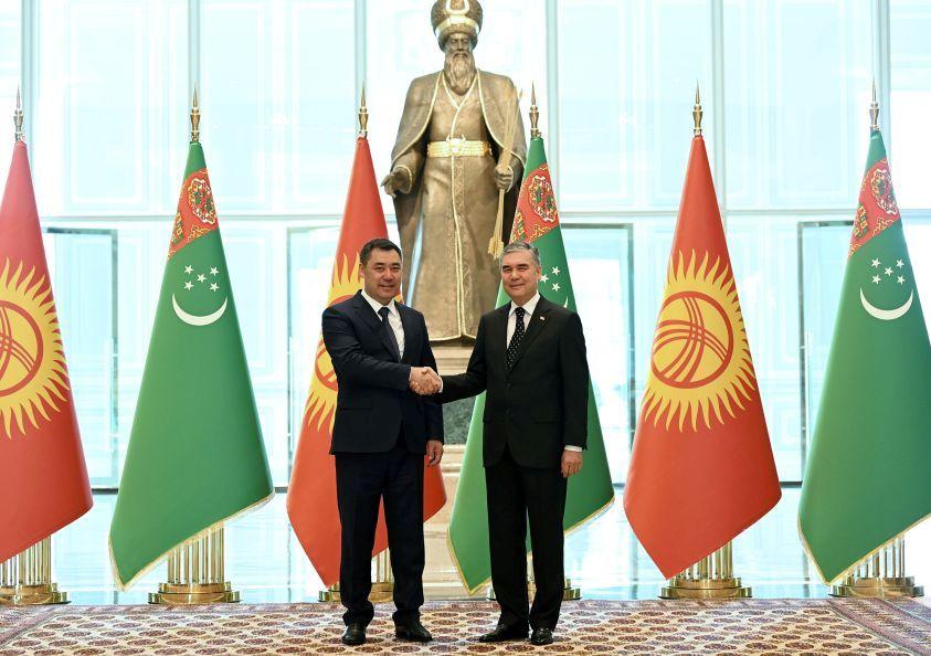 kirgizsky_turkmensky_prezident.jpg