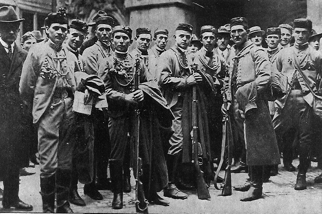 sokol_members_in_1918_from_rosicky_640.png