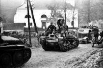 povstalci_koncom_oktobra_1944_ustupuju_starymi_horami_na_donovaly-210.jpg