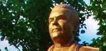 socha_r._j._malinovskeho_a_jej_autor_akademicky_sochar_slavomir_gibaj_uvod1.jpg