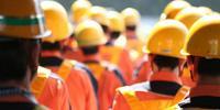 dav robotnikov v helmach zozadu-jaimebisbal.jpg