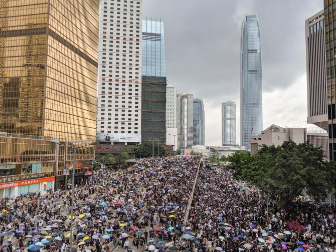 hong-kong-anti-extradition-bill-protest-02.jpg