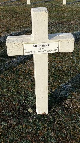 4_na_tomto_cintorine_je_pochovany_aj_isty_stalin.jpg