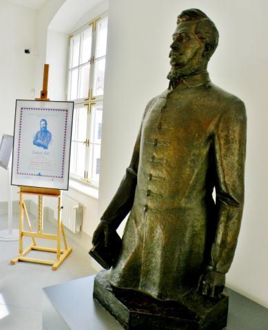 4_socha_od_frana_stefunka_z_roku_1961_na_bratislavskej_vystave.jpg