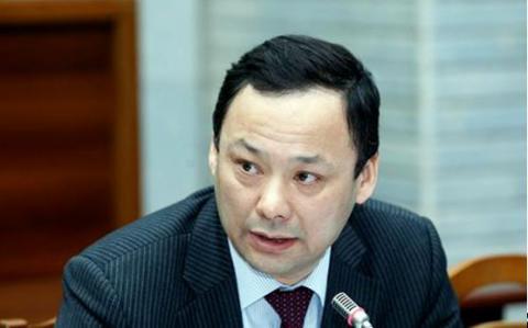 poslanec_kazakbajev.jpg