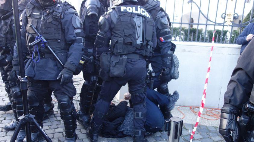 z_protestu_17.11.2020_foto_p._komora_7.jpg